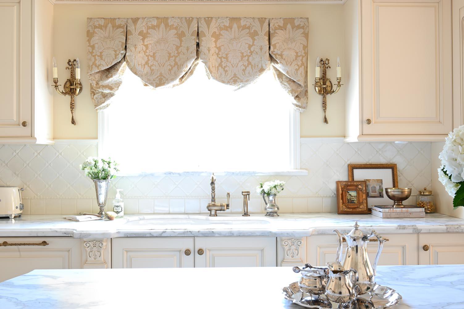 European Luxe Kitchen Burnaby Maria DeCotiis